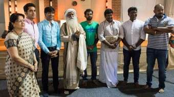 Sadhguru Meets Flood Relief Volunteers in Chennai