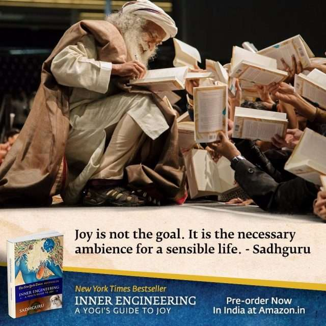 Sadhguru Received by Full House of Over 3600 people at ExCel